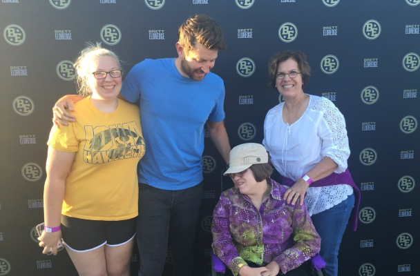 Nice guy brett eldredge made a good impression at the mississippi meeting brett eldredge at his meet and greet at the mississippi valley fair tonight was a kick not only is young mr eldredge a terrific singer m4hsunfo